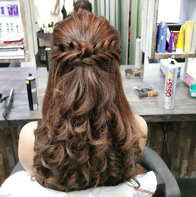 Hairstyling By Lili by Lili Makeup Specialist - 043