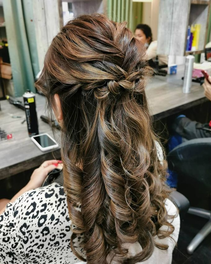 Hairstyling By Lili by Lili Makeup Specialist - 046
