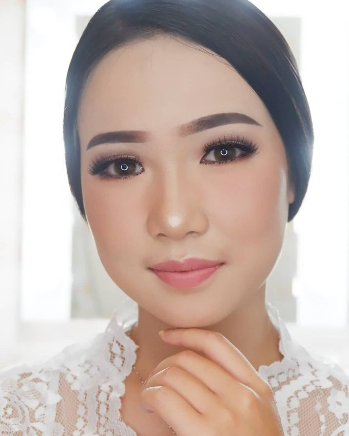 Natural Wedding Makeup 2019 by AngeLin Bridal - 012