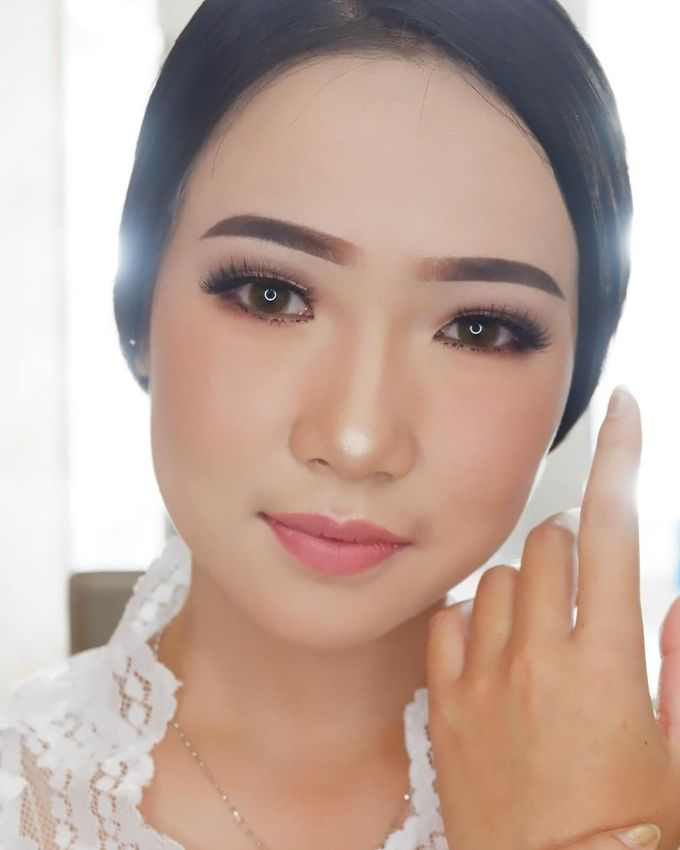 Natural Wedding Makeup 2019 by AngeLin Bridal - 013