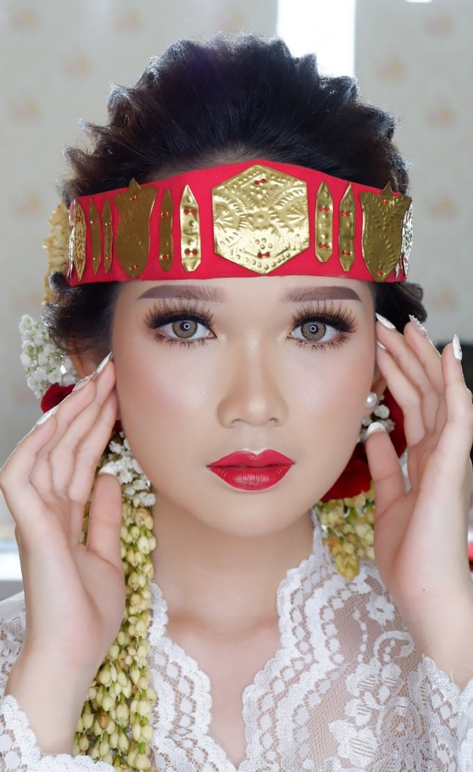 Natural Wedding Makeup 2019 by AngeLin Bridal - 007