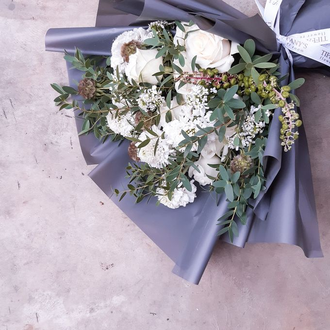 Gift Bouquet by Tiffany's Flower Room - 046