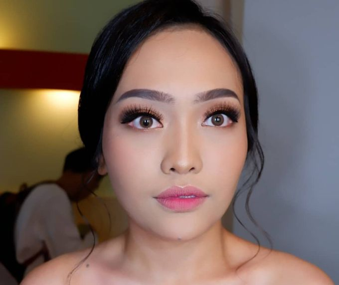 Natural Wedding Makeup 2019 by AngeLin Bridal - 014