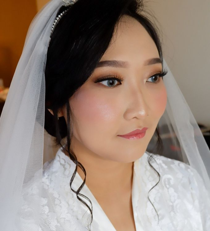 Natural Wedding Makeup 2019 by AngeLin Bridal - 021