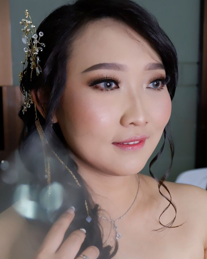 Natural Wedding Makeup 2019 by AngeLin Bridal - 020