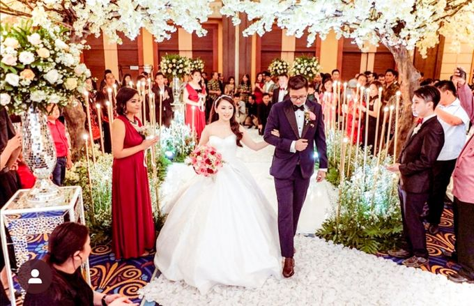 Kevin & Yeyen Wedding by Frisch Florist - 010