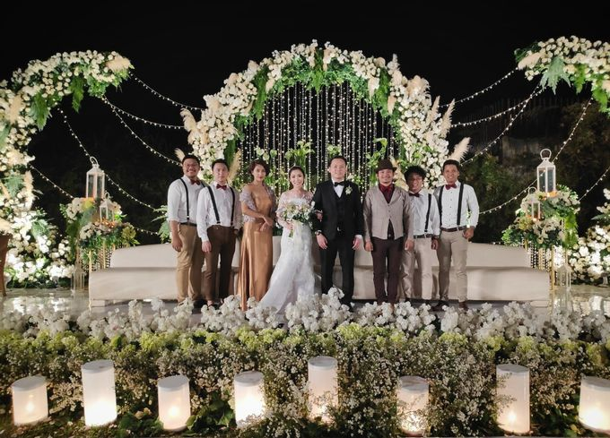 Monica & Kevin Wedding At Maxis Resto by Josh & Friends Entertainment - 003