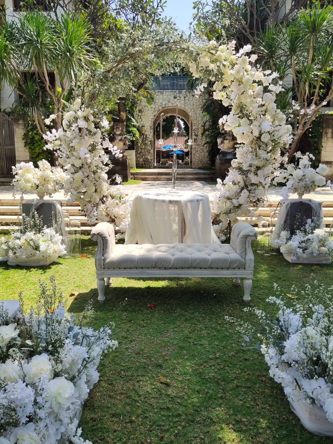 Ceremony and Dinner Garden party of Hamish & Eva Wedding by Sudamala Resorts - 005