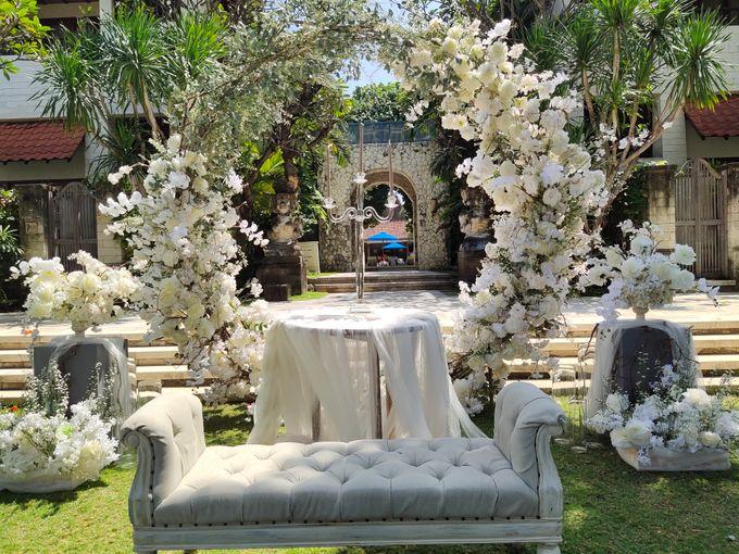 Ceremony and Dinner Garden party of Hamish & Eva Wedding by Sudamala Resorts - 006