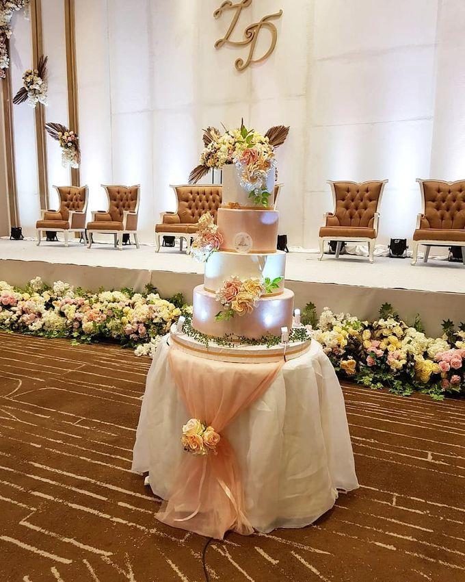 Custom Wedding Cake by Bloomscake Wedding - 014