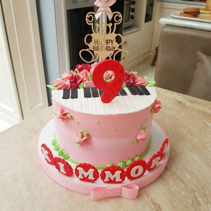 Custom Wedding Cake by Bloomscake Wedding - 006