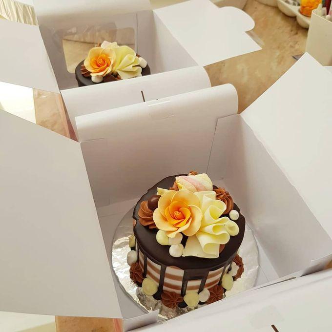 Custom Wedding Cake by Bloomscake Wedding - 008