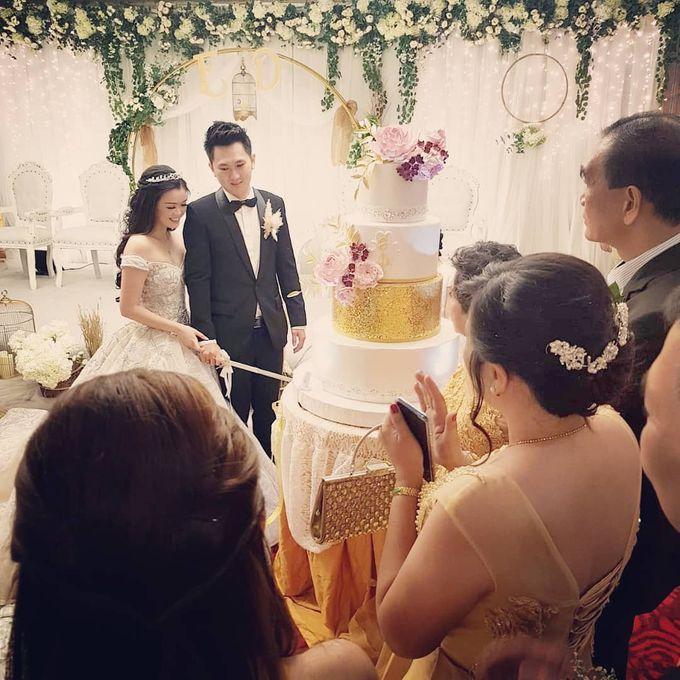 Custom Wedding Cake by Bloomscake Wedding - 017