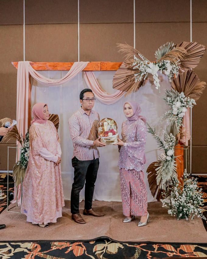 Engagement of Zella & Joe by AVIARY Bintaro - 001