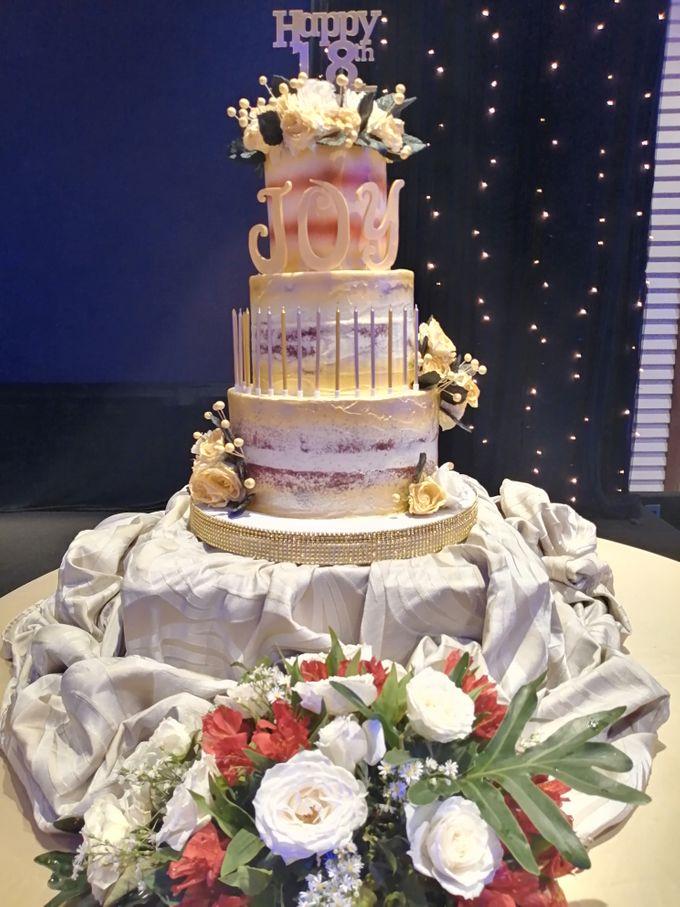 Customized Wedding Naked Cake Rustic Themed Cake by Crumbs Cake Art Bakeshop - 005