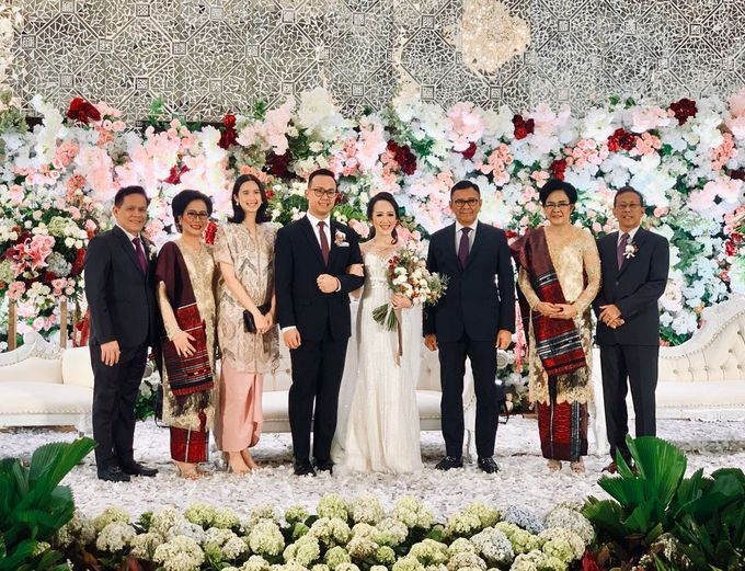 Theresia & Evan Tagor Wedding by HENRY BRILLIANTO - 009
