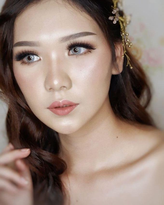 Prewedding - Wedding Makeup (NATURAL GLAM) by AngeLin Bridal - 001
