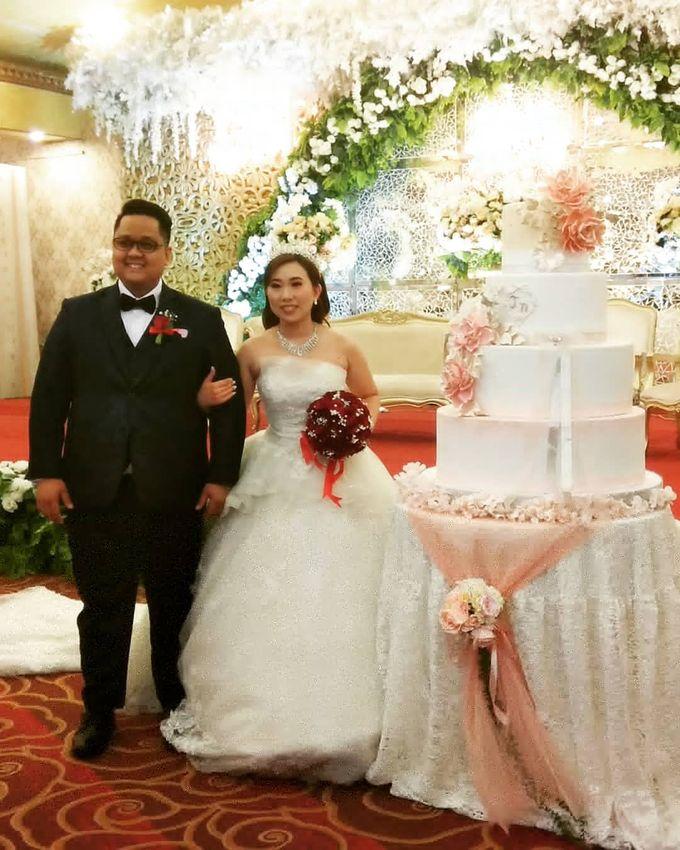 Custom Wedding Cake by Bloomscake Wedding - 003