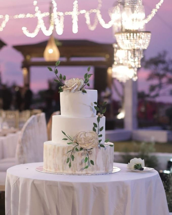 The Wedding Cake Of Rudy & Shiela by Moia Cake - 006