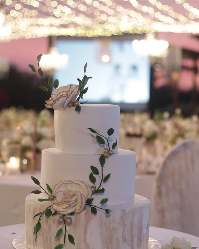 The Wedding Cake Of Rudy & Shiela by Moia Cake - 005