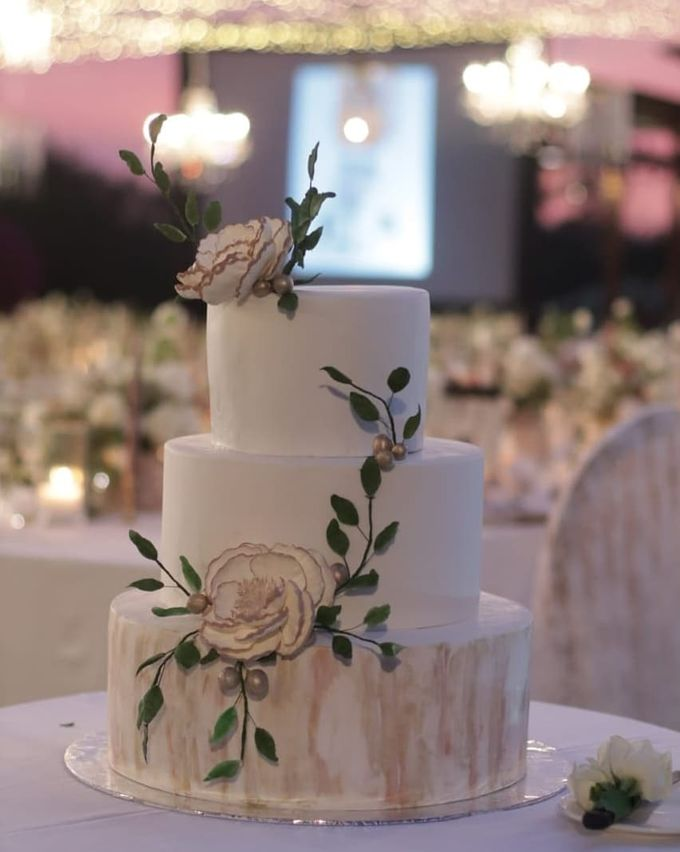 The Wedding Cake Of Rudy & Shiela by Moia Cake - 007
