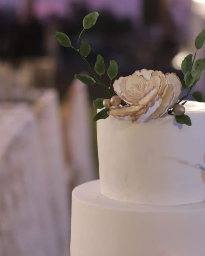 The Wedding Cake Of Rudy & Shiela by Moia Cake - 001