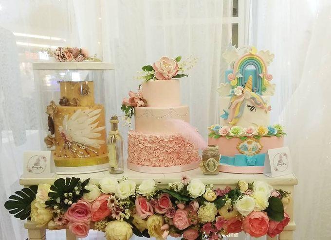 Custom Wedding Cake by Bloomscake Wedding - 002