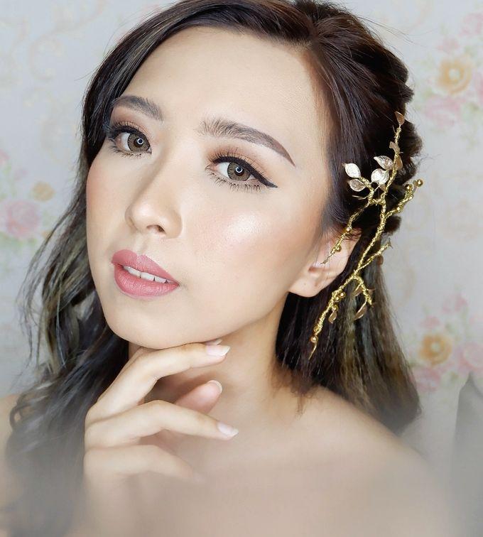 Prewedding - Wedding Makeup (NATURAL GLAM) by AngeLin Bridal - 012