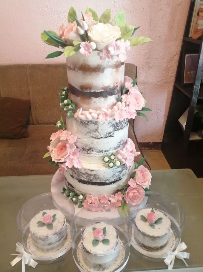 Customized Wedding Naked Cake Rustic Themed Cake by Crumbs Cake Art Bakeshop - 006