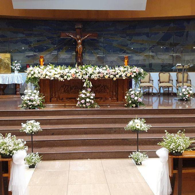 Dekorasi Gereja Alfonsus Rodriquez by nanami florist - 002