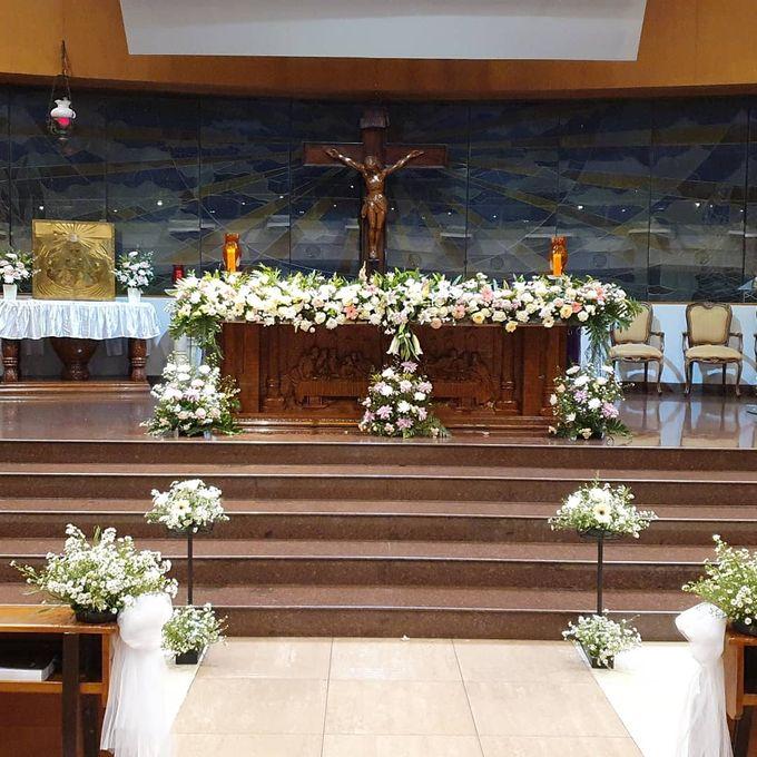 Dekorasi Gereja Alfonsus Rodriquez by nanami florist - 003
