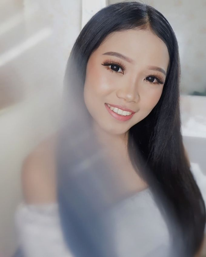 Prewedding - Wedding Makeup (NATURAL GLAM) by AngeLin Bridal - 005