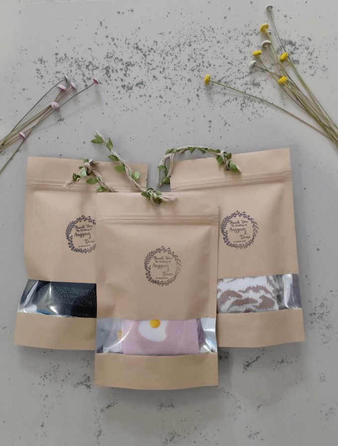 Simple Packaging by Yoursouvenirsocks - 004