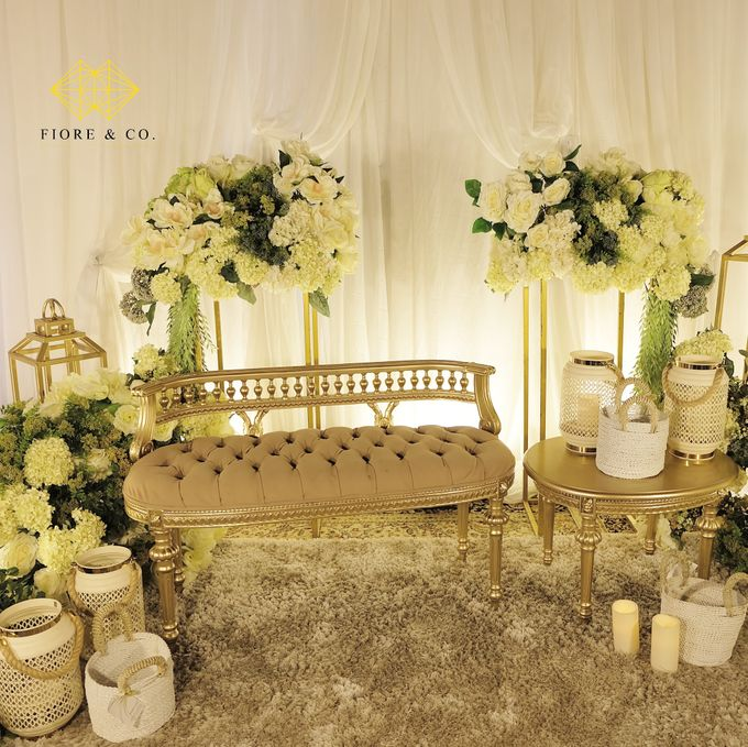 """SHADES OF WHITE"" by FIORE & Co. Decoration - 005"