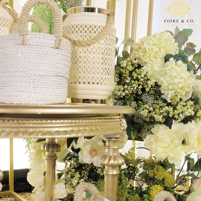 """SHADES OF WHITE"" by FIORE & Co. Decoration - 003"