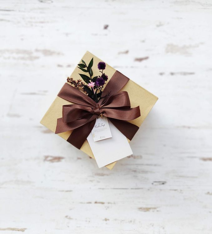 Bridesmaid Gift Box by The Rustic Soap - 001
