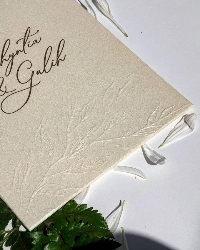 Classic  Yellow Plasma by Invitation Papermint - 007