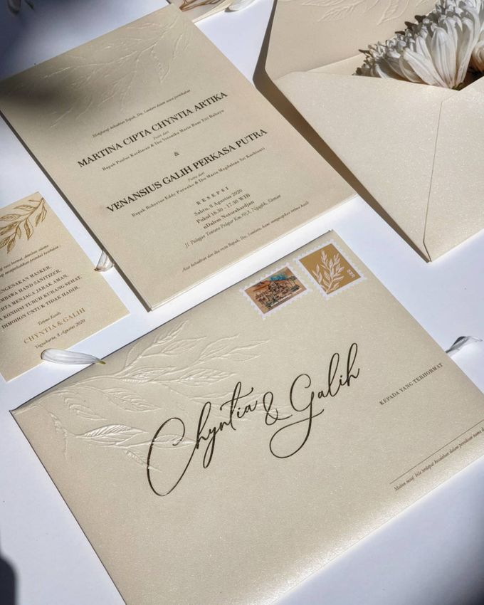 Classic  Yellow Plasma by Invitation Papermint - 008