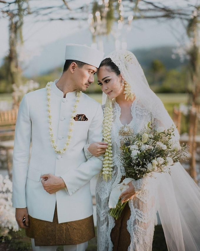 Outdor Traditional Wedding In New Normal by Ventlee Groom Centre - 009