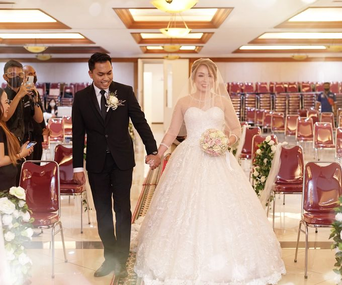 The Wedding of Lendy & Lisan by MarisaFe Bridal - 004