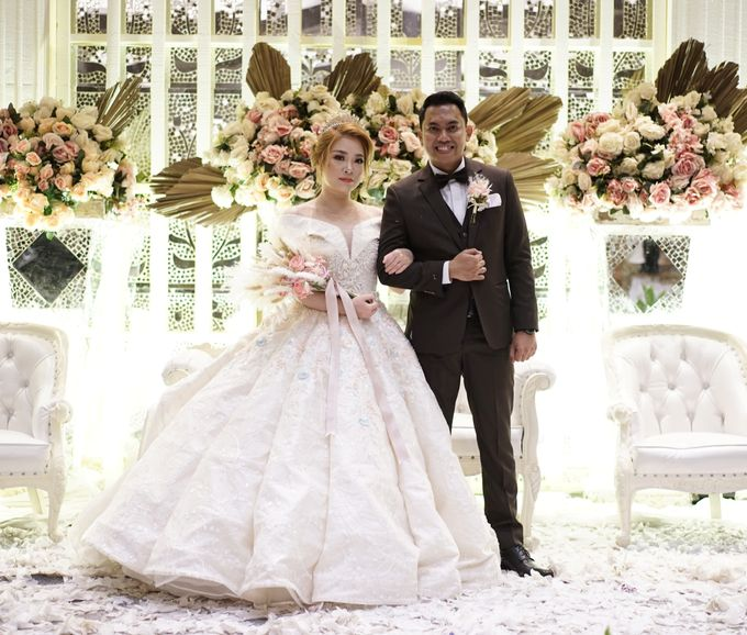 The Wedding of Lendy & Lisan by MarisaFe Bridal - 006