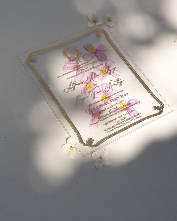 luxury wedding invitation by Invitation Papermint - 003