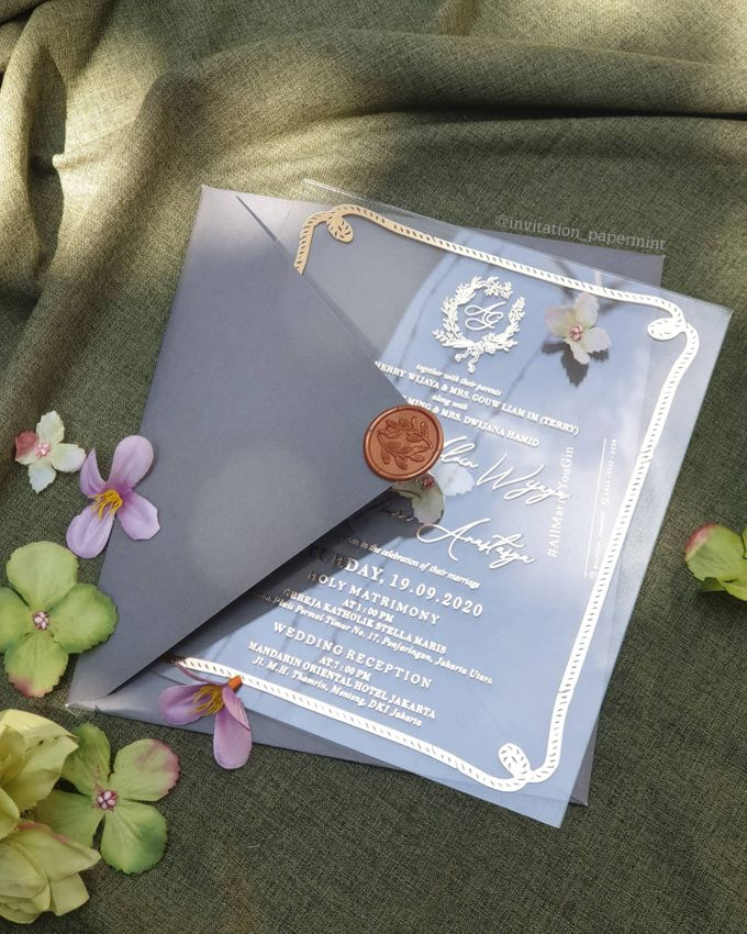 luxury wedding invitation by Invitation Papermint - 001