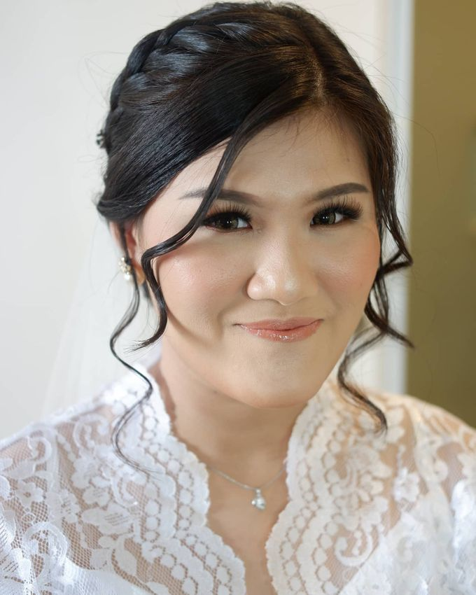Makeup & Hairdo For Our Bride, Ariani.. by Favor Brides - 001
