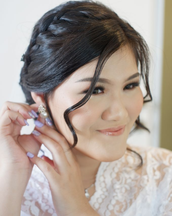 Makeup & Hairdo For Our Bride, Ariani.. by Favor Brides - 003