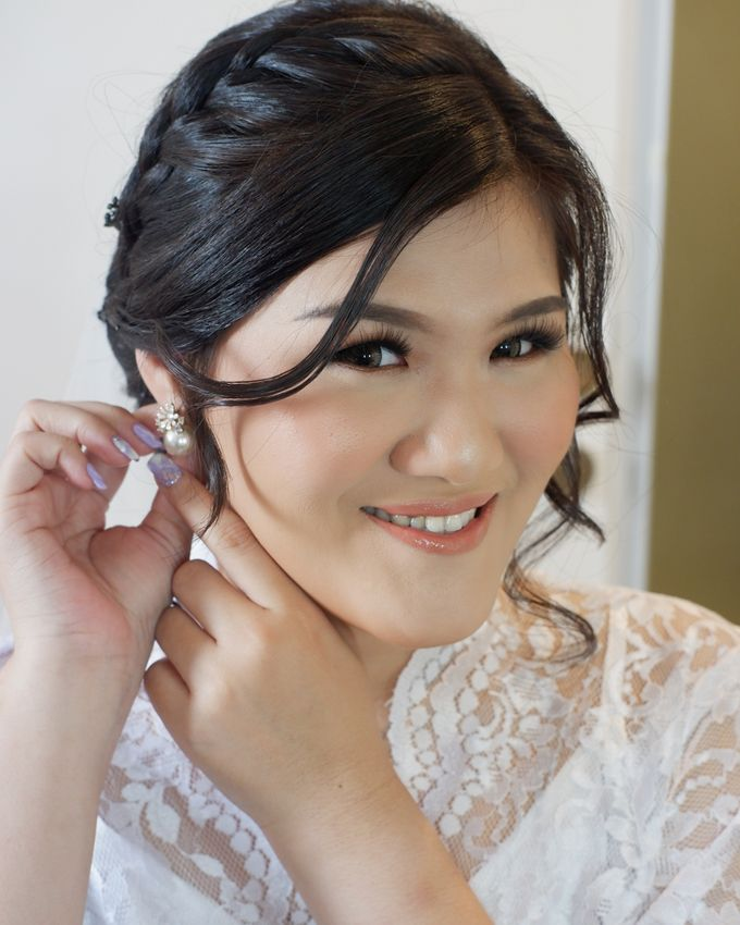 Makeup & Hairdo For Our Bride, Ariani.. by Favor Brides - 004