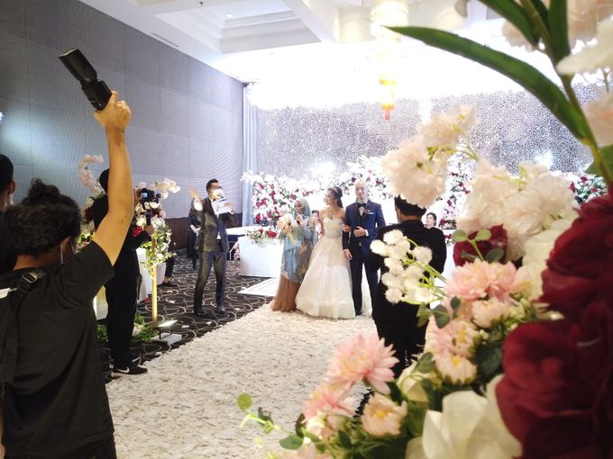 Angga & Mona Wedding by HENRY BRILLIANTO - 007