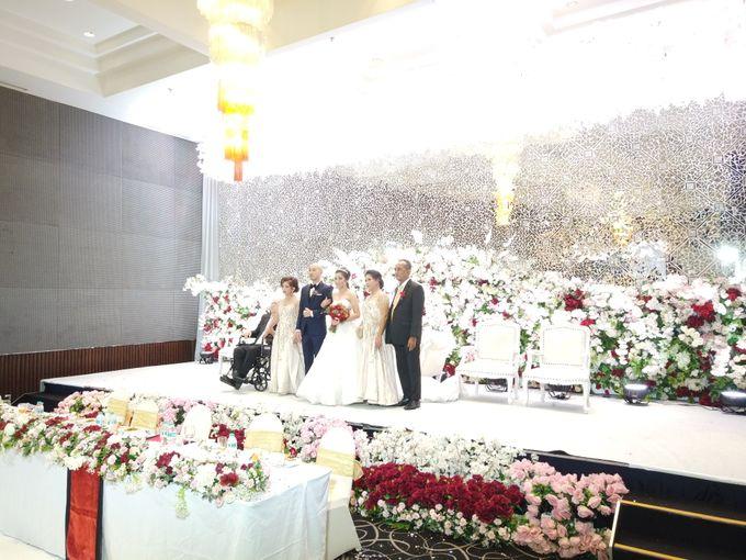 Angga & Mona Wedding by HENRY BRILLIANTO - 006