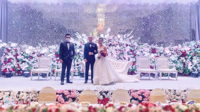 Angga & Mona Wedding by HENRY BRILLIANTO - 008