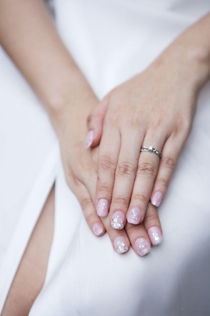 Khesyia Wedding Nails by PONINONI NAILS - 001